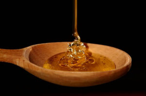 công dụng của mật ong rừng đối với thanh niên, trung niên