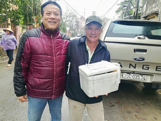 khách hàng mua nhung hươu tại Huế